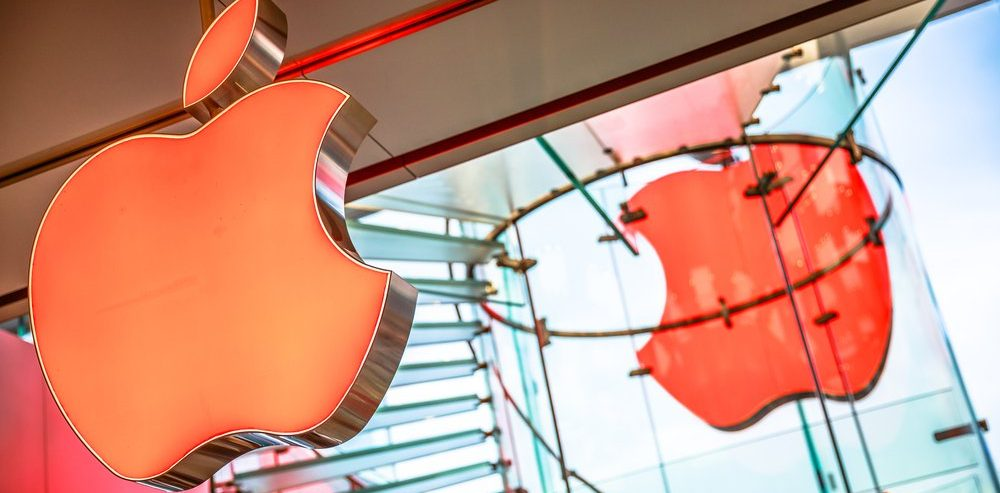 Dow Futures Crash 300 Points on Apple's Mainland China Woes