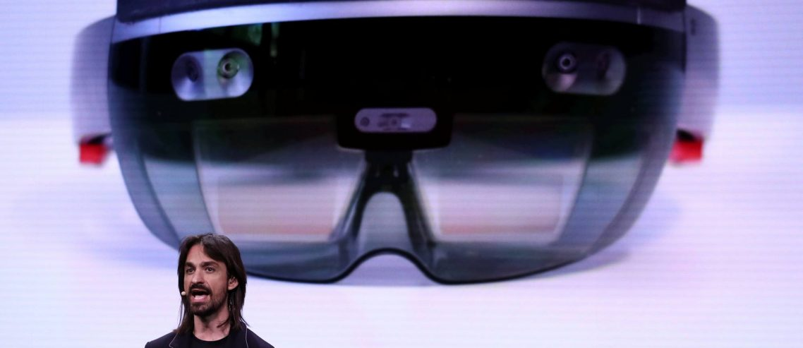 Microsoft's HoloLens Deal Triggers Workers, But Faux Outrage Doesn't Stop MWC19 Reveal