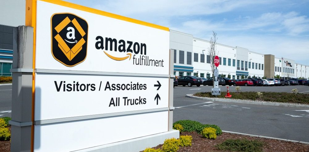 Amazon's $15/hr Wage Won't Help Workers Replaced by Robot Army