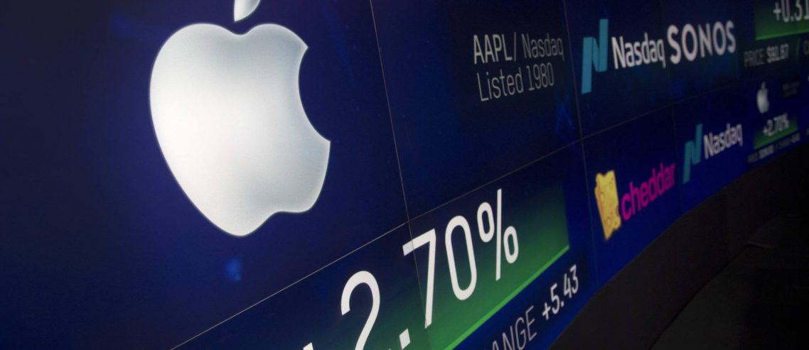 Tech Analyst's Crazy $350 Apple Stock Prediction Is Dead Wrong