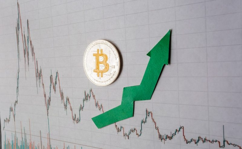 Raging Bitcoin Price Propels Crypto Market to Spike $25 Billion in 2 Days