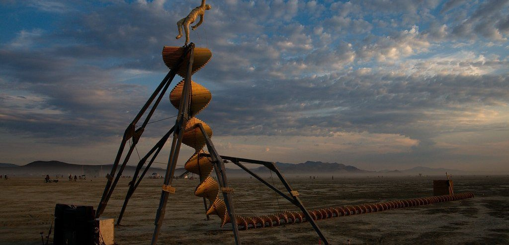 Bitcoin Price Crash is Burning Man's Fault & Fed Will Hike Rates 3x: Tom Lee