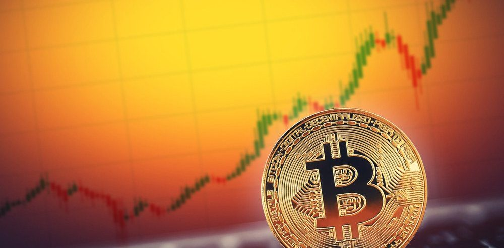 Investment Executive: Bitcoin to Make a Big Move in 'a Week or Two'