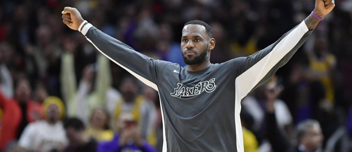 LeBron James on Track for Best Season Ever for a 35-Year-Old
