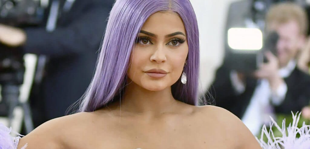 Kylie Cosmetics Shamelessly Lures out Fans During Global Pandemic