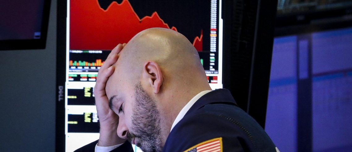 Dow Plunges 150 Points as Trump Adviser Questions Trade Deal Progress