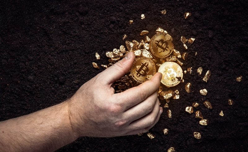 Trade Bitcoin? Here's Why You Absolutely Need to Also Buy Gold