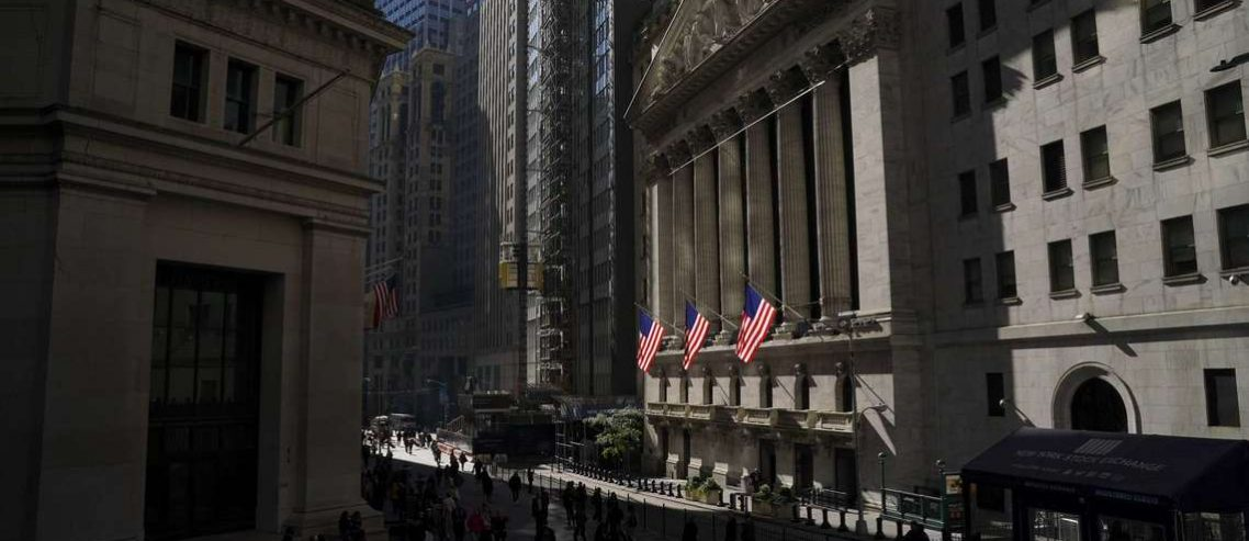 Dow Flinches Ahead of Titanic Tariff Hikes in 48 Hours