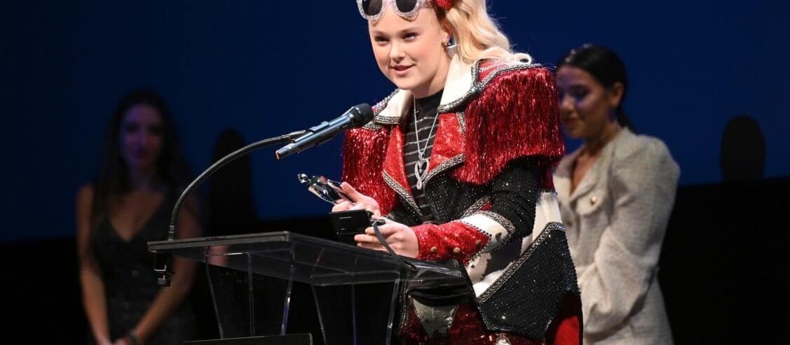 JoJo Siwa Is Old Enough to Know Better – And She Needs to Take Responsibility